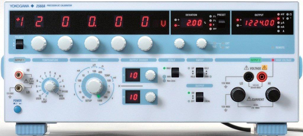 Прецизионный калибратор постоянного тока 2560A